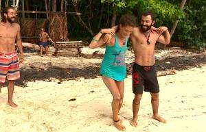 Turabi, Hilmi Cem ve Nadya'dan sahilde dans resitali