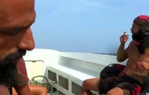 Dokunulmazlık öncesi teknede büyük gerginlik! Hasan ve Turabi…